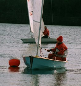 Sailing Club Principal Roy Henderson negotiating a mark on Kinghorn Loch